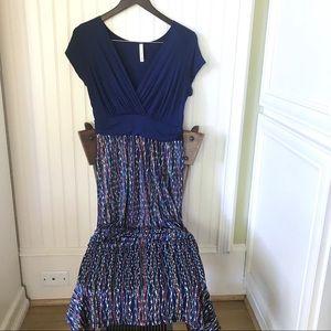 Gilli Blue Patterned Maxi Dress Women's Size M